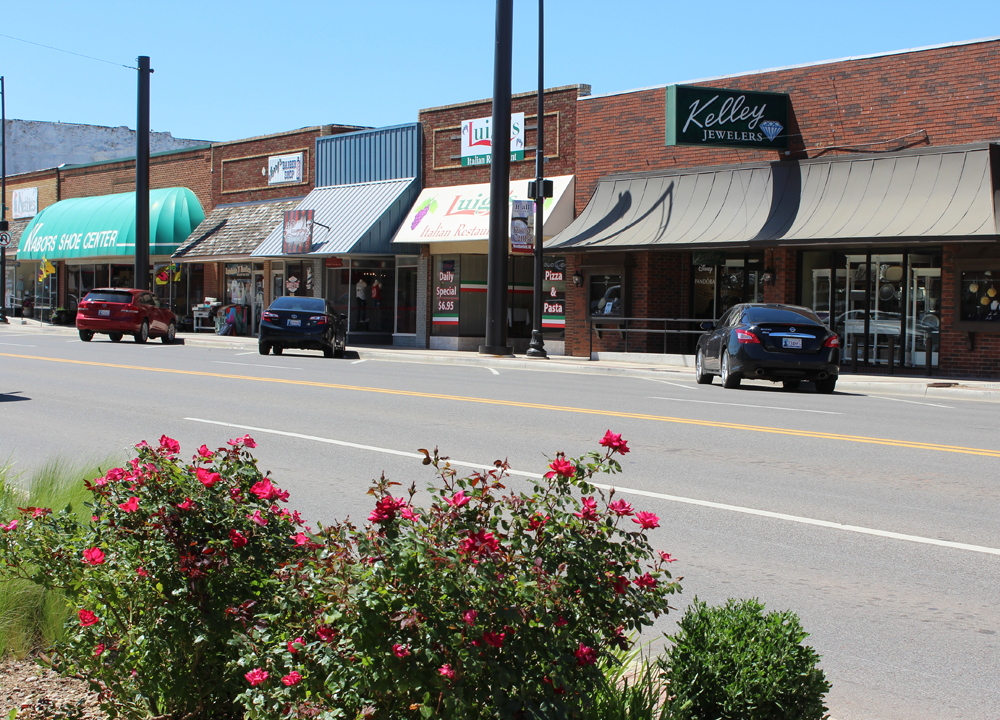 Town Centre along Main Street in Weatherford, Oklahoma. Photo: City of Weatherford