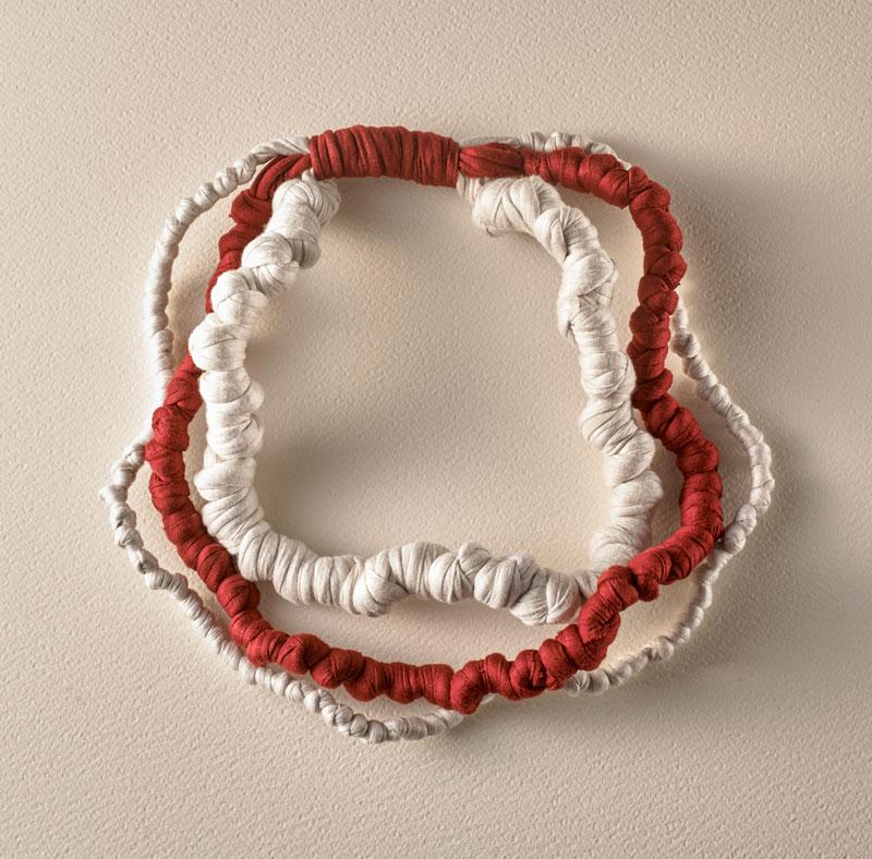 modello cecilia bianca e rossa