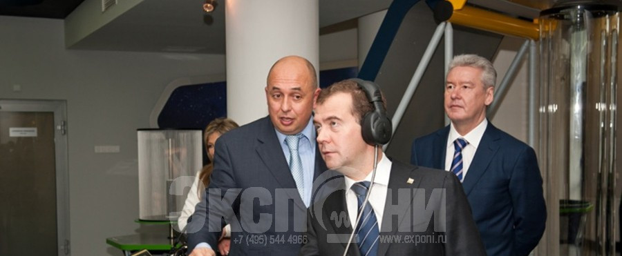 Medvedev at  Radiotelescope_lp_lp_vz.jpg