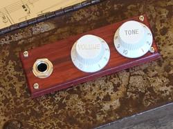 Volume & Tone Knobs