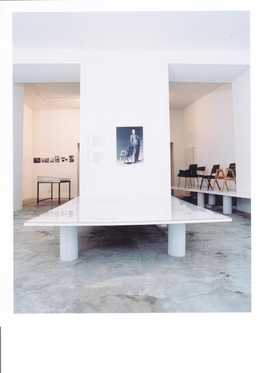 Roland Rainer, Möble- einfach, klar und leicht