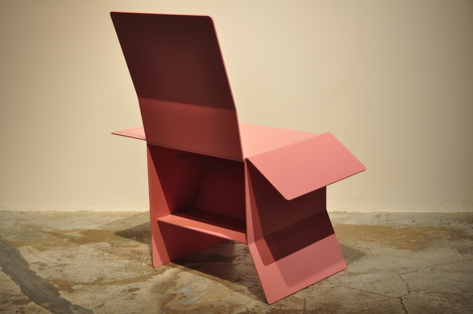 "Carton Chair ""Trojan Horse"" / Books Séba"