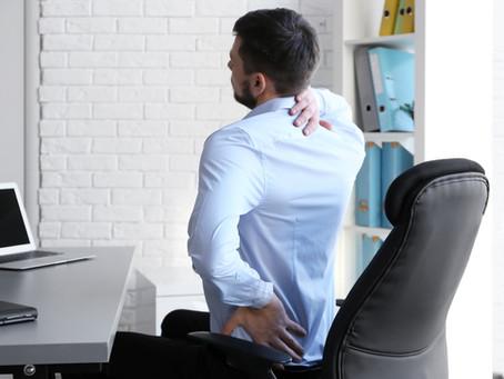 Por que massagens e alongamentos muitas vezes não resolvem sua dor nas costas?