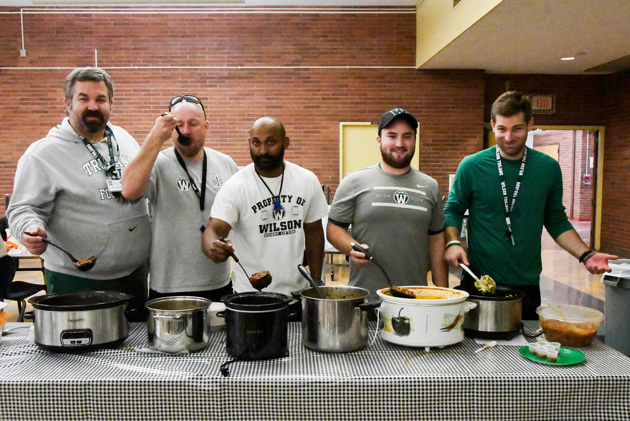 2017--coaches-chili-cook-off-282_38116693526_o.jpg