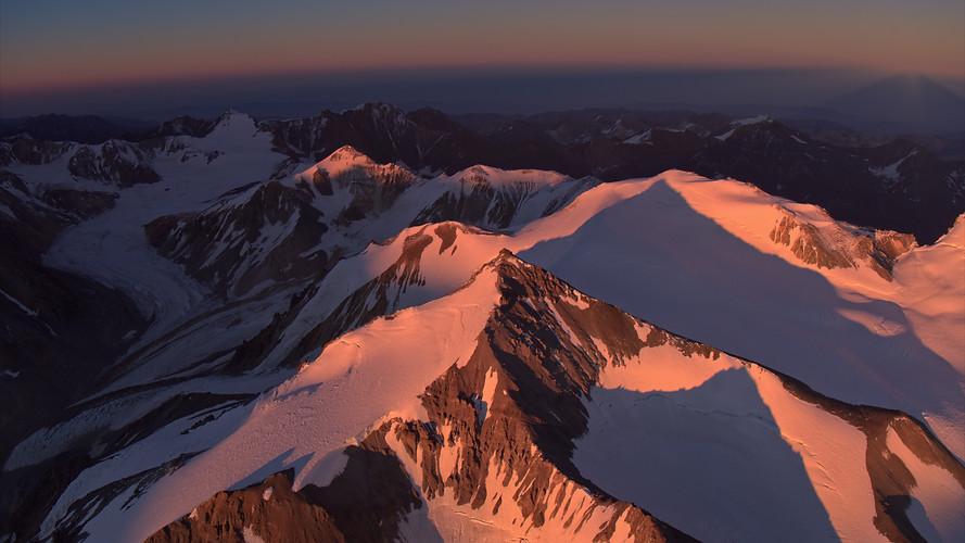 TWA_Ep3_09_mountains.jpg