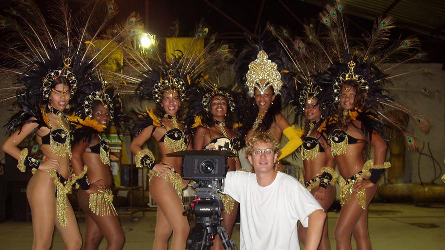 samba girls & Christian.JPG