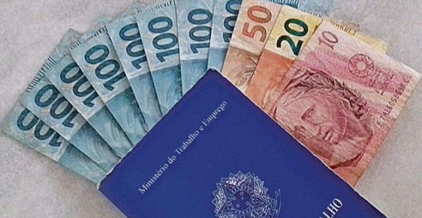22/10 - 13º salário: Ministério da economia se pronuncia sobre cálculo.