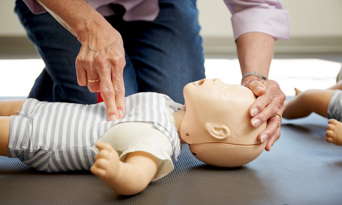 emergency child care course