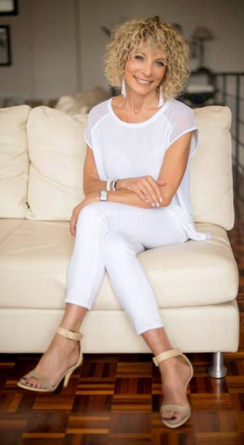 image consultant melbourne, personal stylist melbourne, personal shopper, wardrobe stylist, personal branding, wardrobe makeover Melbourne, 007