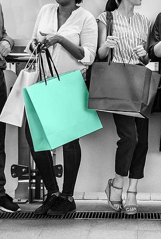 black-friday-fashion-friends-1345082.jpg