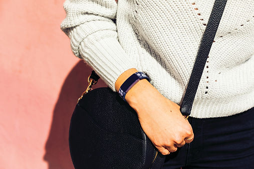 Fitbit_Inspire_Lifestyle_Bloom_Street_Fa