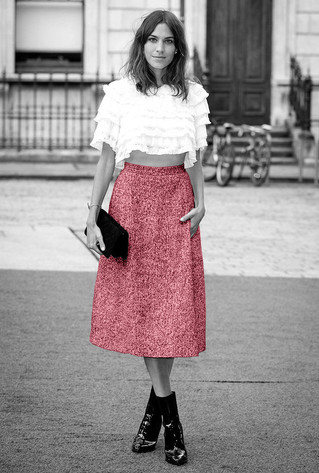 Alexa Chung black and white pink fashion