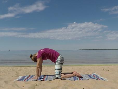 Andning och lätta rörelser - Yoga hemma