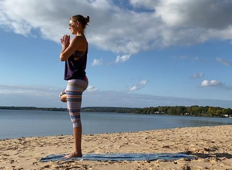 Yoga hemma: Nytt lätt Vinyasapass i videobiblioteket!