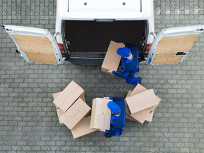 Formal Import and Courier Import: what are the main differences?