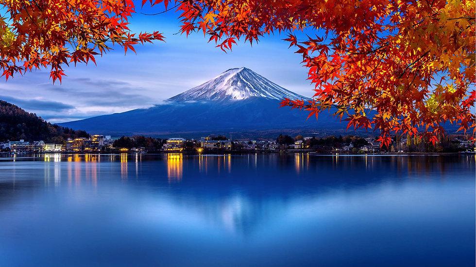 fuji-mountain-kawaguchiko-lake-morning-autumn-seasons-fuji-mountain-yamanachi-japan.jpg