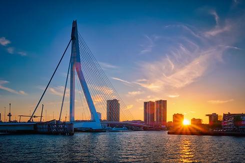erasmus-bridge-sunset-rotterdam-netherla