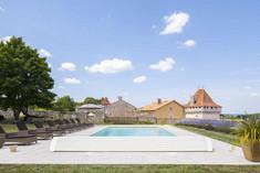 Vue Chateau avec piscine