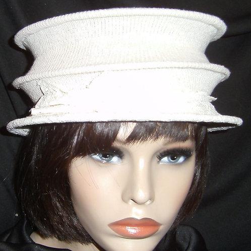 Beige 3-tier wired hat