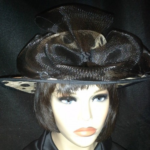 Black and beige sinamay hat
