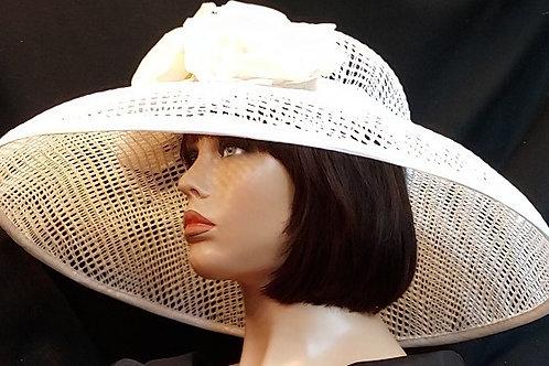 White garden hat