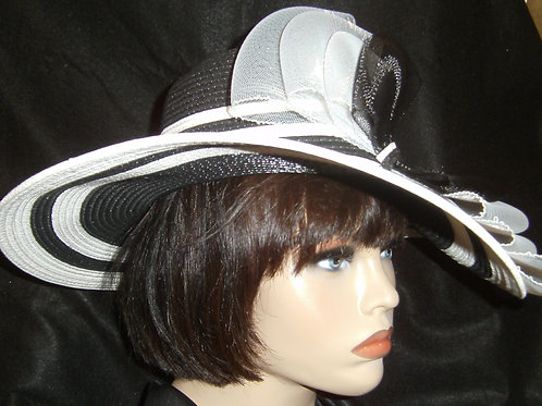 Black & white sewn straw hat