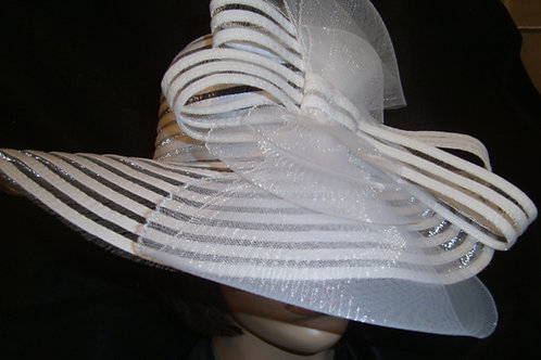 White horsehair hat