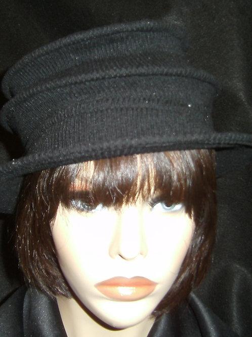 Black 3-tier wired cap