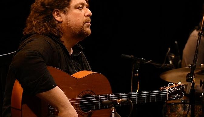 jose luis de la paz / guitarist and composer