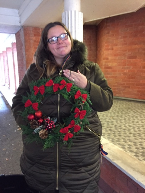 The lovely Nicola and her finished wreath