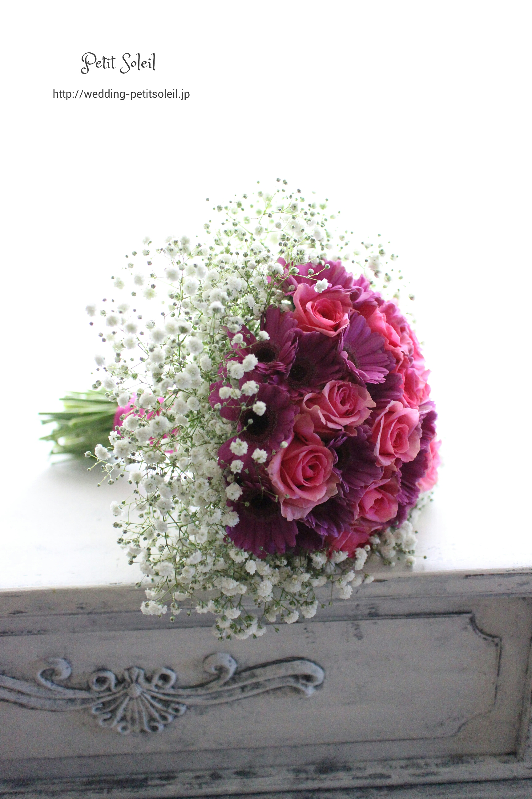 94.紫の花とかすみ草のブーケ