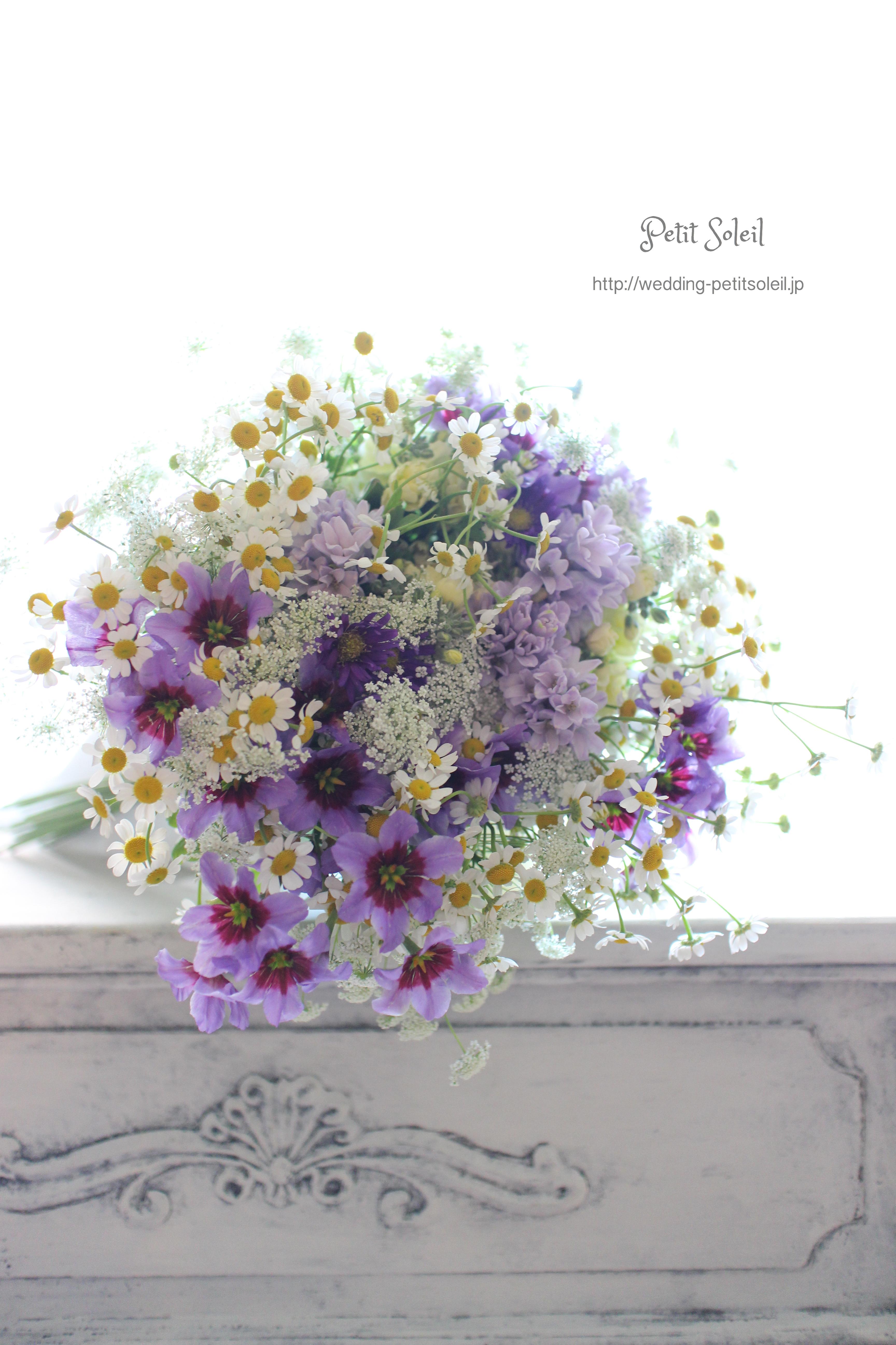 117.紫ホワイトのナチュラルブーケ
