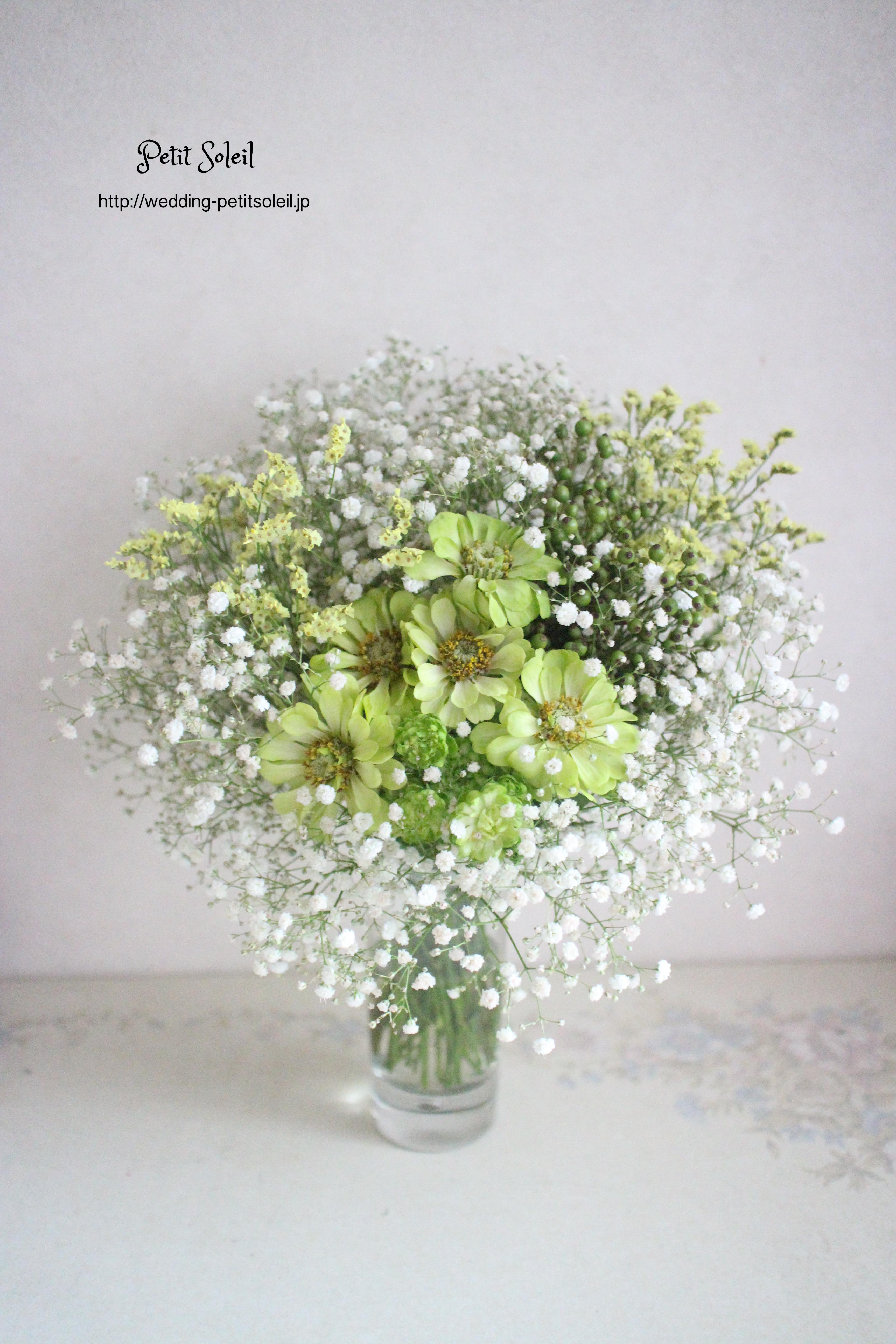 96.かすみ草とグリーンの花のブーケ