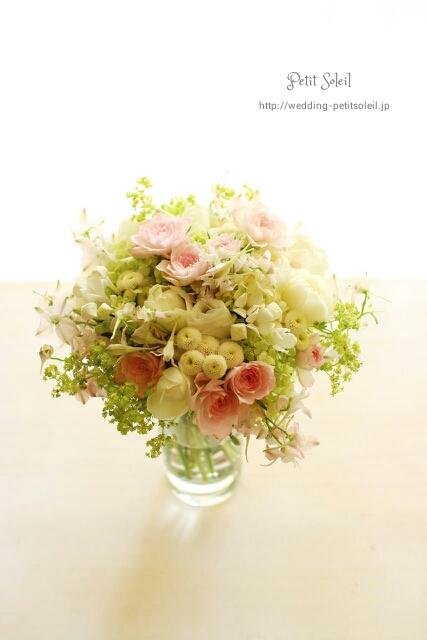 32.小花のクラッチブーケ