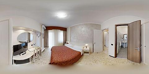 Gold-Hotel-12122018_140437.jpg