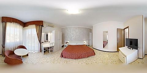 Gold-Hotel-12122018_140617.jpg