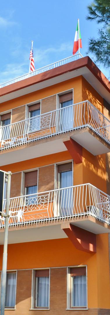 Gold Hotel esterno.JPG