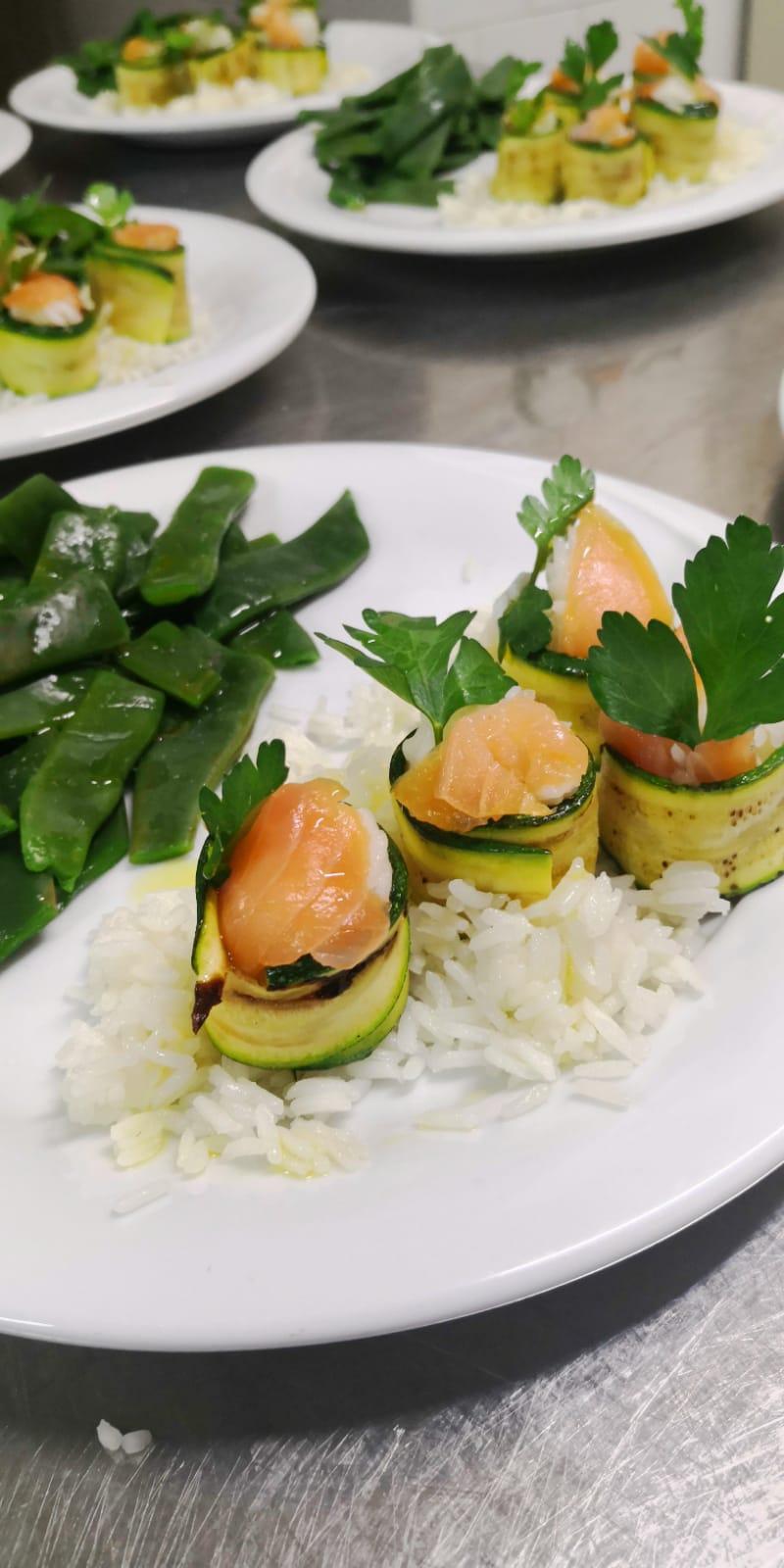 Riso, salmone e zucchine  | Ristornate Gold Hotel Bordighera