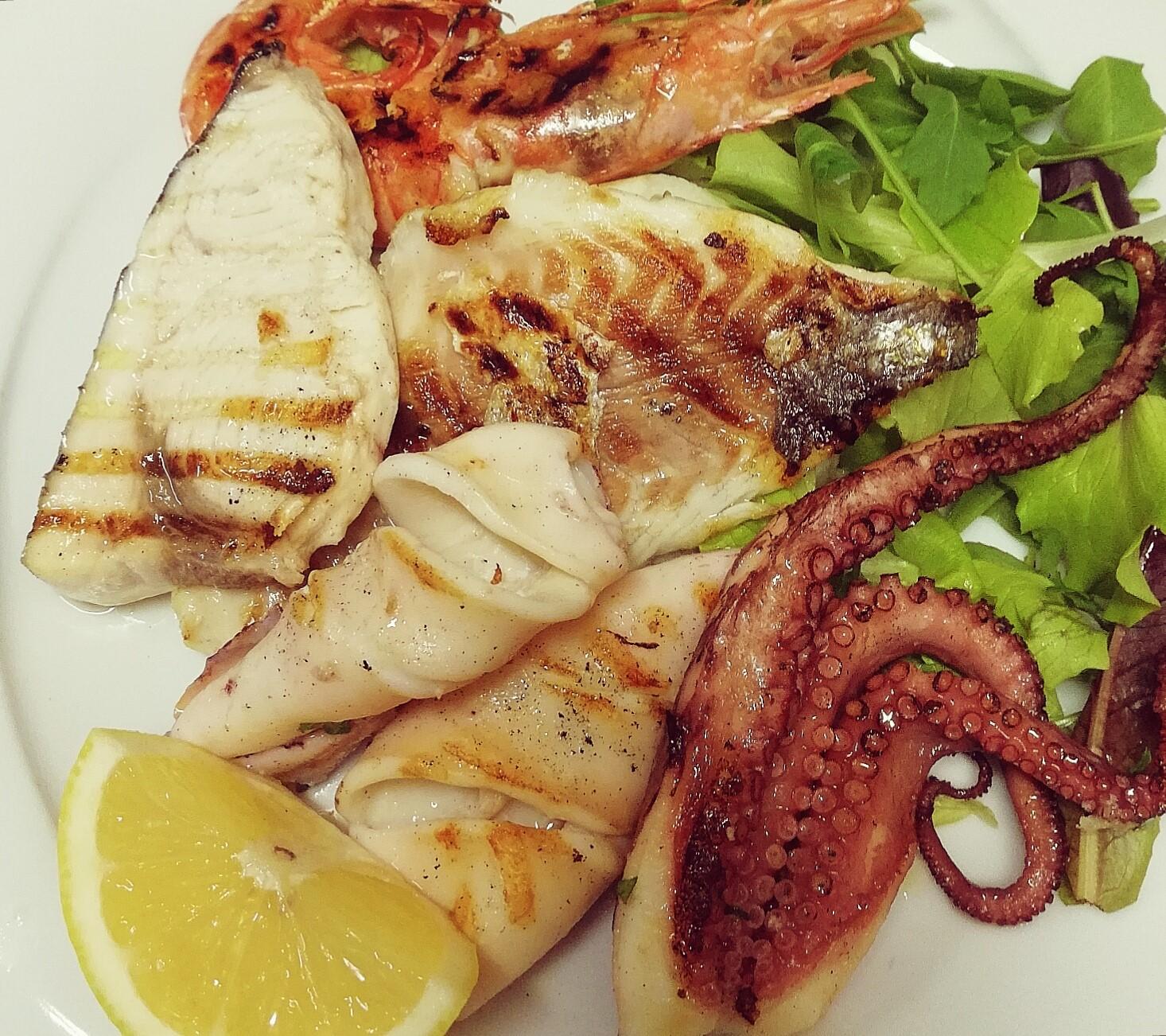 Grigliata di pesce fresco | Ristornate Gold Hotel Bordighera
