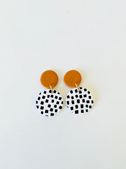 Go Dotty - Medium Earring (Orange Stud)