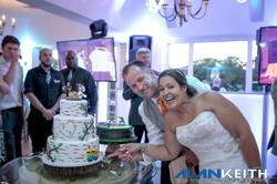 Bride & Groom Cake Time