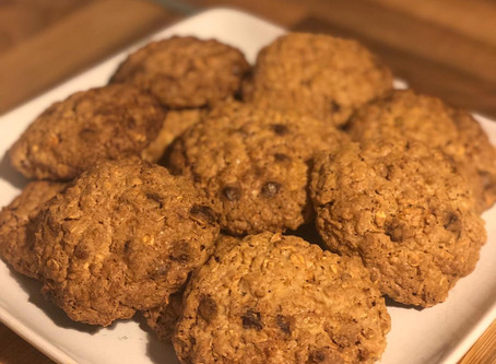 Low-Calorie Chocolate Chip Oatmeal Cookies Recipe