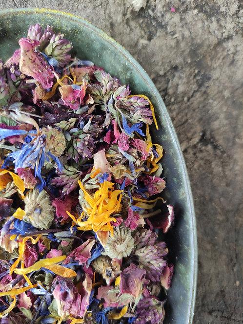 BEAUTIFUL WILD & ORGANIC RADIANCE - Facial Steam - Skin Detox - Blue Cornflower