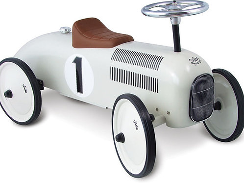WHITE RIDE ON CLASSIC CAR