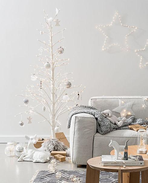 papaya-spruce-led-tree-white-mood.jpg