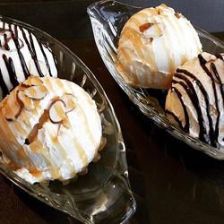 피카의 맛있는 아이스크림 메뉴! 깊고 진한 맛이 특징인 #하겐다즈 아이스크림을 사용한답니다😋 #피카 #두타 #가로수길카페 #아이스크림 #하겐다즈아이스크림 #fika #doota