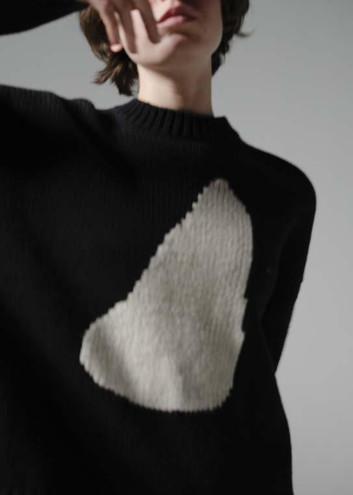 Lump movement intarsia knit 2.jpg