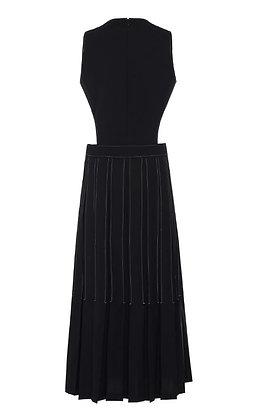 Low Classic Stitch Pleated Dress