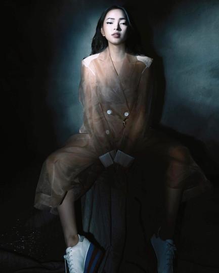 Fashionista Châu Bùi in Kimhekim - SS19
