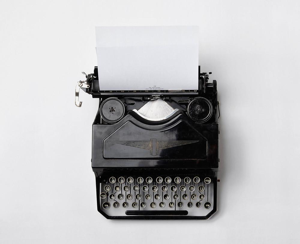 """Da der Computer als """"moderne Schreibmaschine"""" angesehen wurde, galt er zuerst als """"Frauensache""""."""